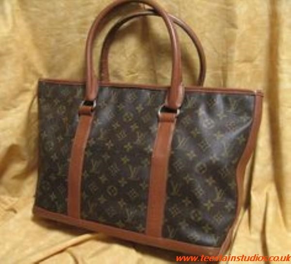 Louis Vuitton Tote With Zipper